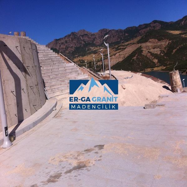 granit Plaka döşeme taşı üretimi ve uygulama