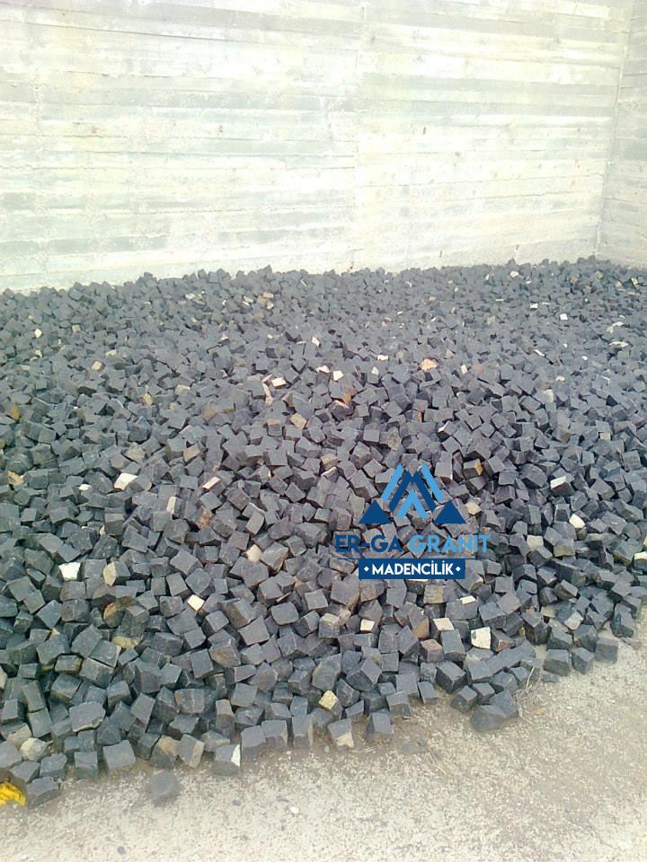 aliağa bazalt küp taş
