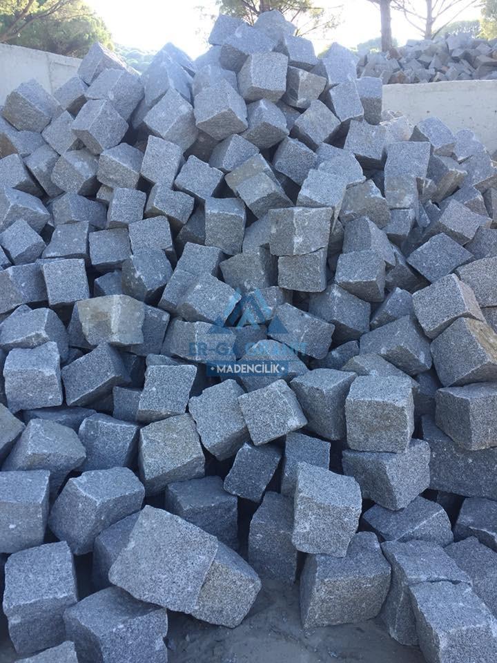 Doğal granit küp taşların üretimi